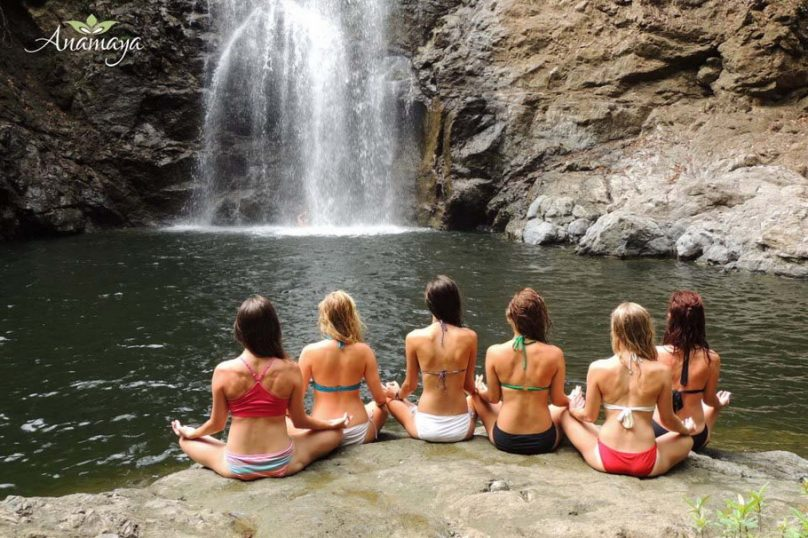 AR-montezuma-waterfall-yoga910