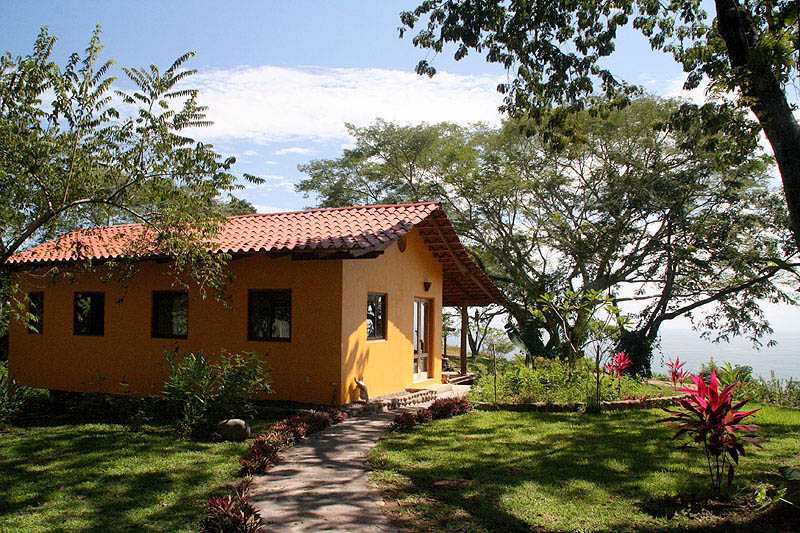 1cab18be6a51c beautiful-small-house-in-costa-rica -