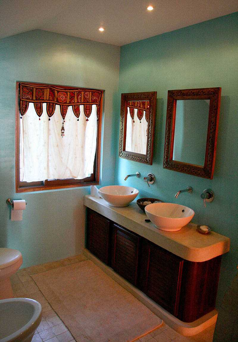 master-suite-bathroom
