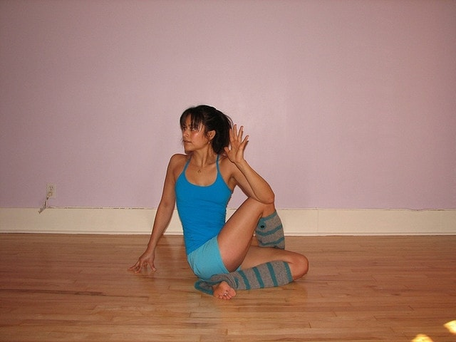 Seated Twist Pose (Ardha Matsyendrasana) via flckr https://www.flickr.com/photos/everydayelsie/406505099/
