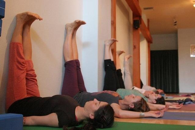 Legs Up the Wall Pose (Viparita Karani) via flckr https://www.flickr.com/photos/kellinahandbasket/5238813733/