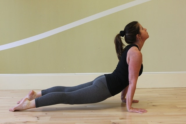 Upward Facing Dog Pose - Urdhva Mukha Svanasana via flckr https://www.flickr.com/photos/yogamama-co-uk/5446246724/