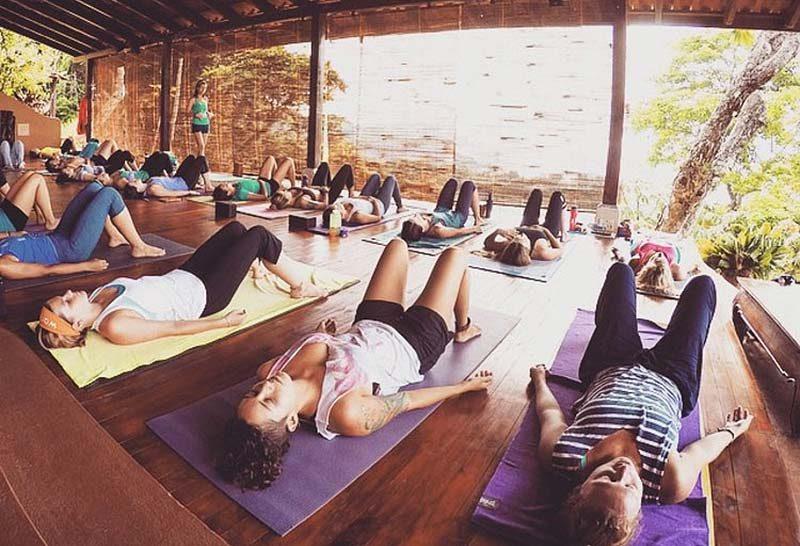 yoga-in-the-tropics