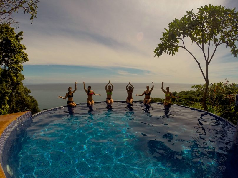 anamaya-pool-with-yogis